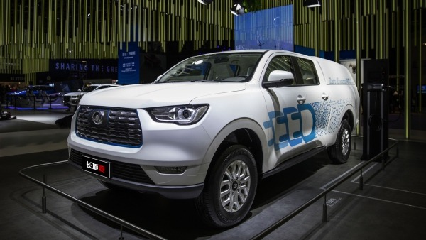 Great Wall P-Series Electric Pick-up front and side view