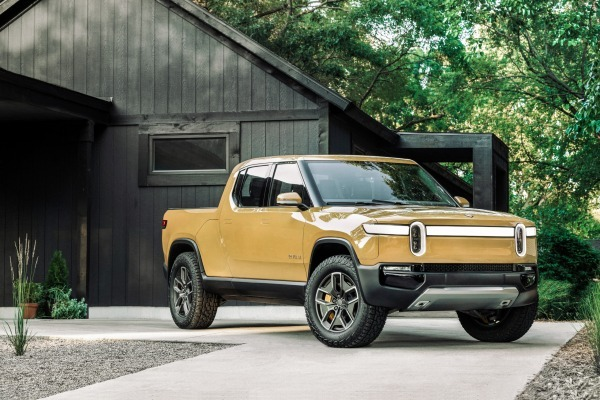 Rivian R1T Electric D.Cab Pickup front and side